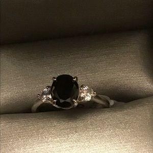 Size 9. Genuine black onyx w/white topaz ring